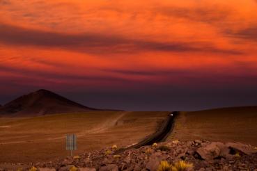 Atardecer, camino a Argentina por el desierto de Atacama, Chile ...uno de los mejores atardeceres que vi